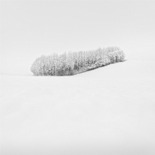 lovemewhite:  White Island by Uwe Langmann