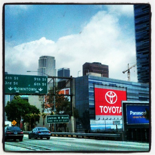 Downtown LA in n outta traffic #Swerve #Los #Angeles #Downtown #Movin #Catchme #Intraffic #1Lyfe