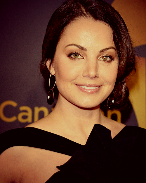 fyeahwellance:  Erica Durance: Canadian Screen Awards 2013
