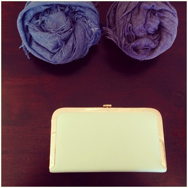 Obsessed with the #nla Lu heathered scarf & Lowe hardware clutch.