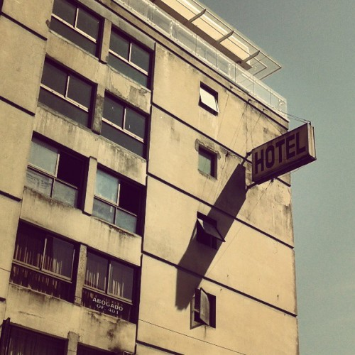 #hotel #building #urban #city #concepción #sign