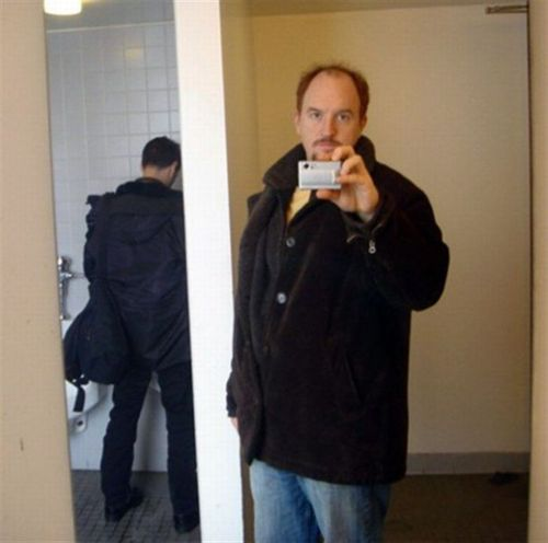 afgavinstan:  When Louis CK does a selfie, it's a good one.