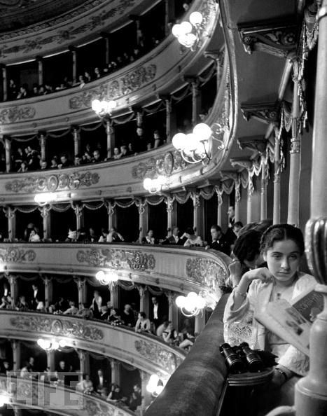 alfred eisenstaedt:  la scala, new year's day 1934