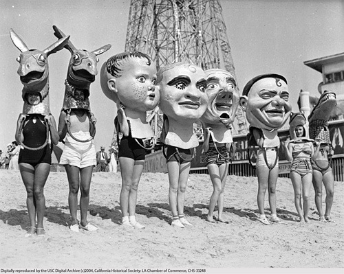 whatthefelt:  Venice Beach, 1930.  Totally creepy but I can't look away.