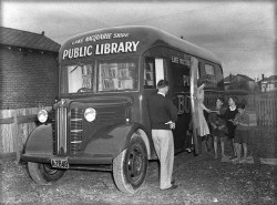 myimaginarybrooklyn:  Bookmobile in New Zealand.  Hmm. Great pic but Australia not New Zealand