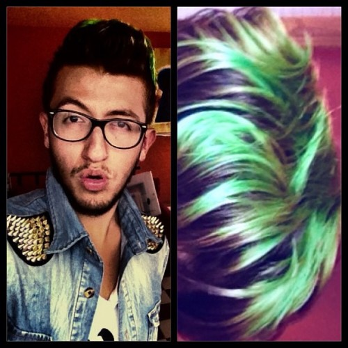#geek #latino #instagay #gaystagram #me #greenhair #glasses #swag #fashion #man #love #instagood #me #tbt #cute #photooftheday #instamood #beautiful #picoftheday #igers #instadaily #iphonesia #follow #tweegram #happy #summer #instagramhub #cartayen #followback