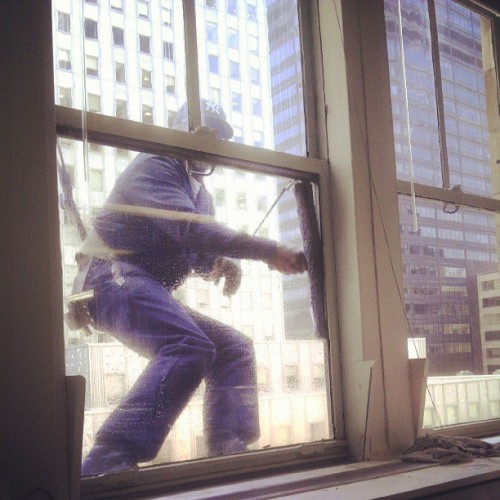 My window washer celebrity. #chaninbuilding #iheartnyc #windowwasher