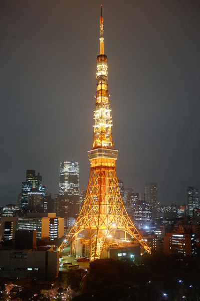 ileftmyheartintokyo:  Tokyo Tower by Wil and Lil on Flickr.