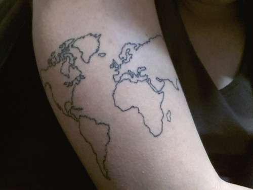 mapmadness:  hi guys this is my first tattoo feel free to call me obsessed let me know what you think :')