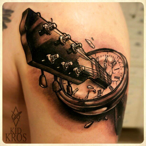 thievinggenius:  Tattoo done by KidKros.