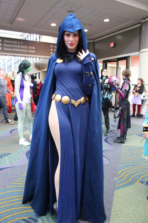 keaneoncomics:  Gillykins as Raven @ MegaCon 2013 (by insidethemagic)
