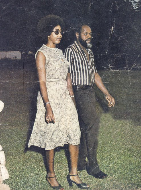 dynamicafrica:  The late Ojukwu with Stella Onyeador in Cote d'Ivoire. In Cote d'Ivoire where Chukwuemeka Odumegwu-Ojukwu fled to and sought exile after the Nigerian troops routed the Biafran forces, he sustained the family tradition of successful commerce. thenewsafrica.com