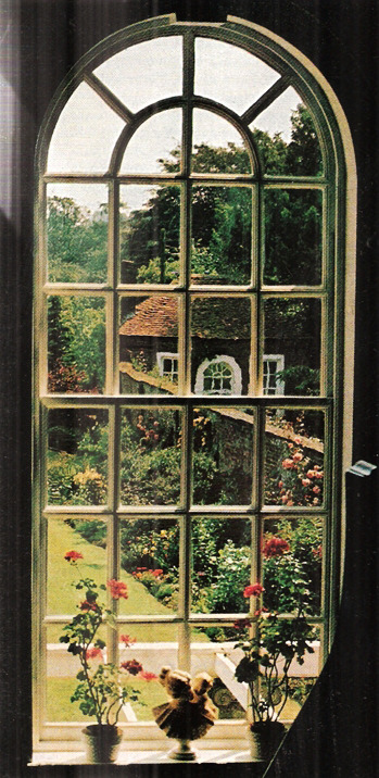 indodla:  London National Geographic July 1975