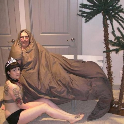 The Best Impromptu Jabba and Princess Leia Costumes Leaked photo from Episode 7.