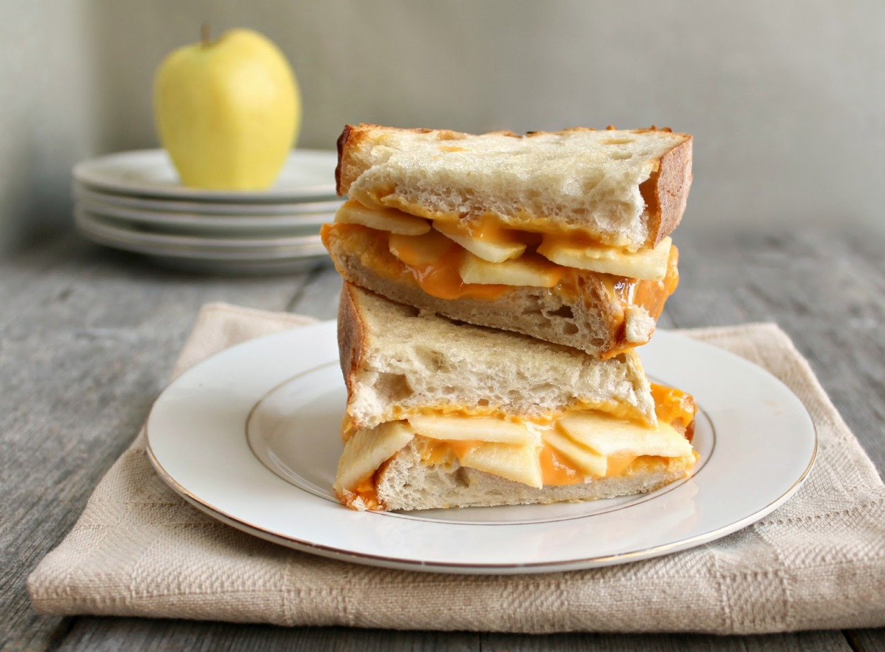 fattributes:  Cheddar Apple Pie Grilled Cheese