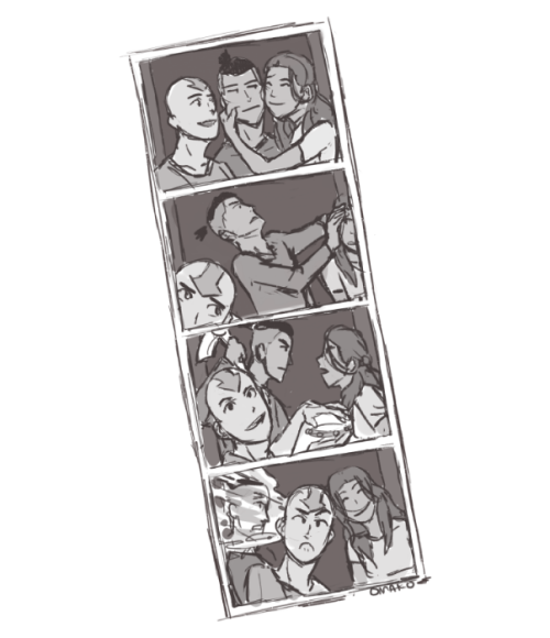omako:  carastiel requested: Team Avatar Photo Booth pictures