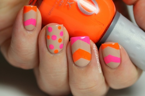 fox-x:  r-ire:  neons and nude  Perf