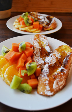 French Toast with fruit salad