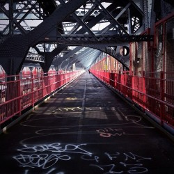 #ny #newyork  (at Williamsburg Bridge)