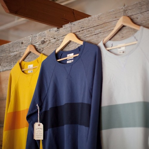 quitecontinental:  almondsurfboards:  Blackies stripe crew #madeincalifornia #almondsurfboards (at Almond Fine Surfingboards)  Need.