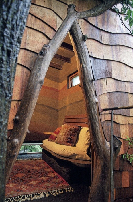 bluepueblo:  Treehouse Alcove, Vancouver, Canada photo via rebeka