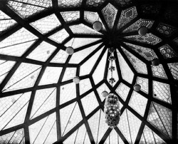 crochetpianissimo:  Glass Pavillion - Bruno Taut