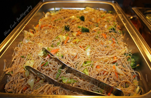 pinoycuisine:  Pancit by Alice Photo Life on Flickr.