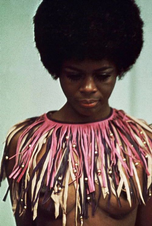 epentesis:  vintagegal: Cicely Tyson photographed by Eve Arnold, 1968