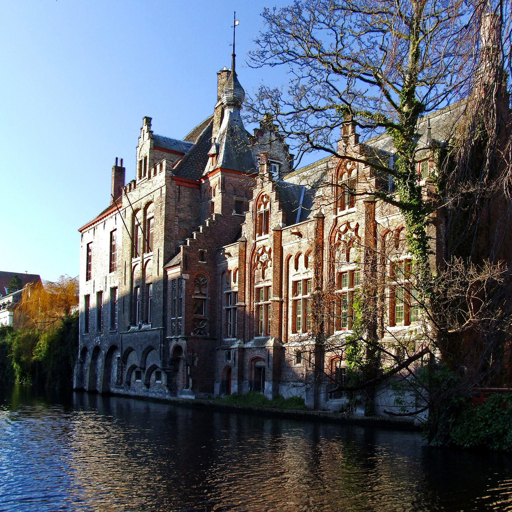 Along the Dijver, Bruges  | by © destinatio | via allthingseurope