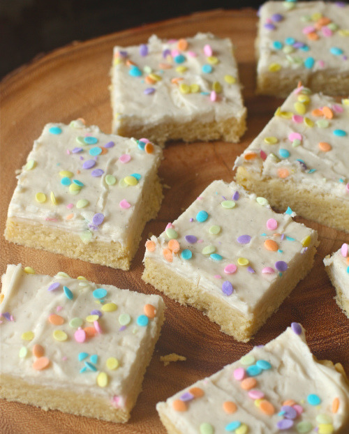 frosted vanilla bean shortbread bars.