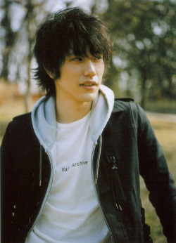 lovemusicanddream:  zettai kareshi | via Tumblr on We Heart It - http://weheartit.com/entry/59773540/via/_Crazymendes Hearted from: http://kawaiioji.tumblr.com/post/48790754143