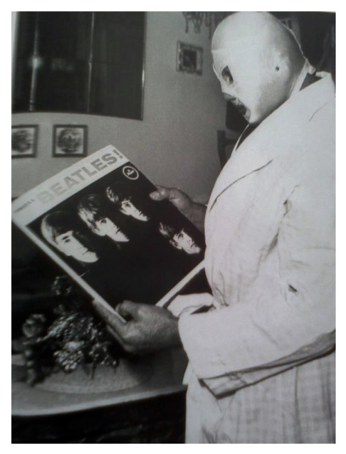 zombiesenelghetto:  El Santo with his copy of Meet the Beatles
