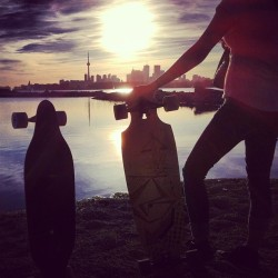 #Longboarding #Toronto #Sunset (at Tommy Thompson Park)