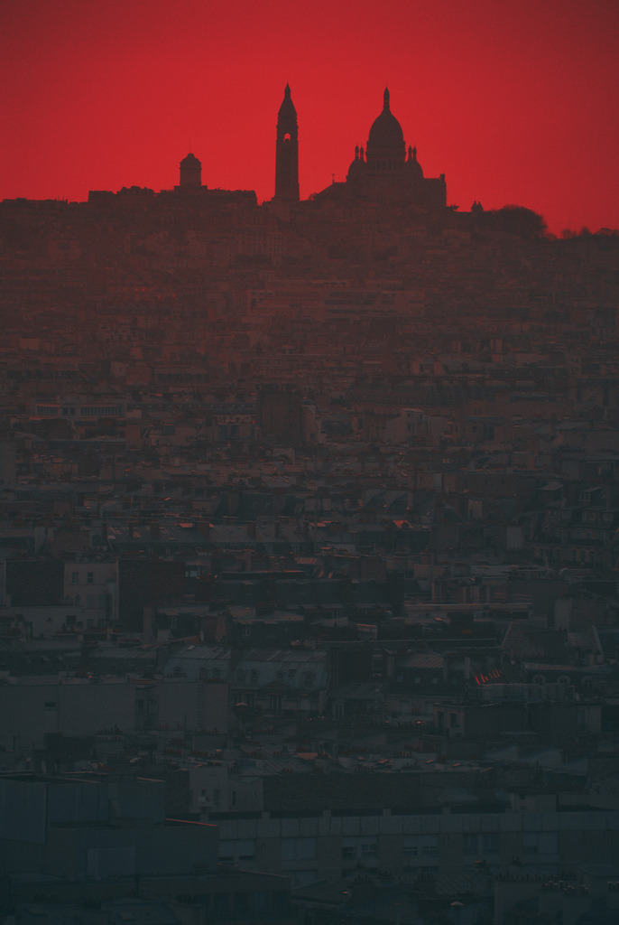 letsbuildahome-fr:  Montmartre daybreak by Kuba Luchtaj on Flickr.