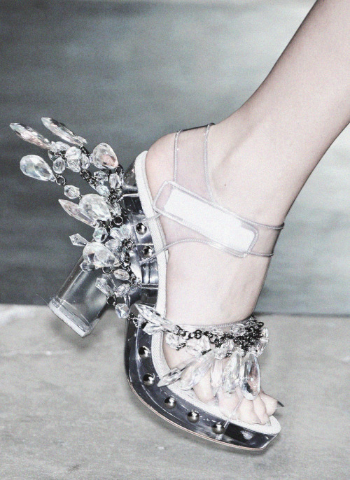 deprincessed:  Fashion In Motion: Chandelier shoes from Prada S/S 2010