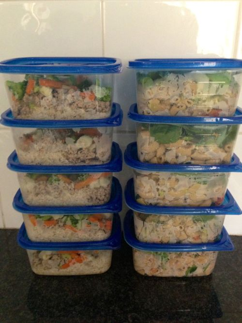Meal Prep: (left)Ground turkey breast with vegetables and brown rice & (right) avocado pesto pasta with spinach, tomato and tuna.