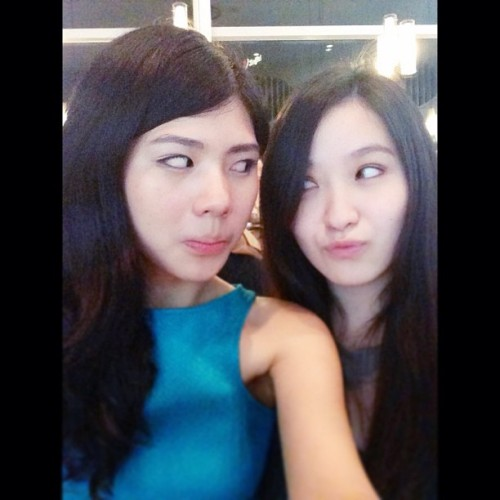 Silly me n @maggie_pg #silly  #weird #pose #poses #life #instago #indo #sg #fun #face #girl #me #selfies #popular #instagood
