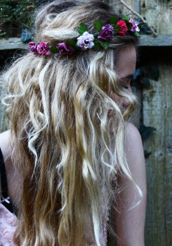 lame-kids-cant-die:  amy's hair Flickr