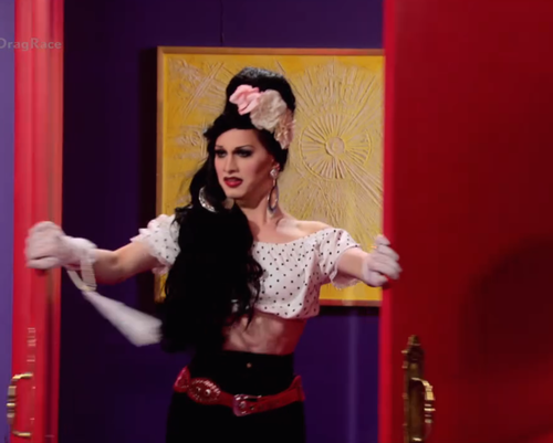 sahoyah:   I'm sorry, can we talk about Jinkx's Mexican Amy Winehouse realness from the new trailer?