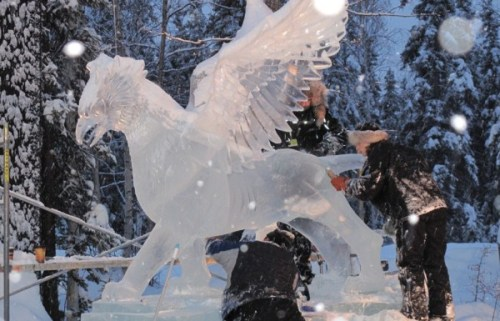 ceredwyn:  carving a gryphon in Fairbanks, Alaska