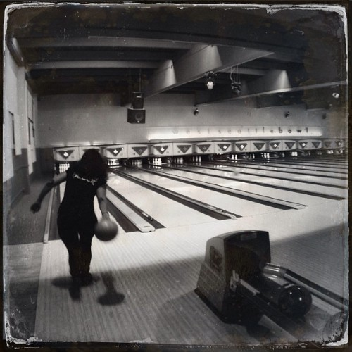 Must Be Wednesday Again! #bowling #noirstagram  (at West Seattle Bowl)