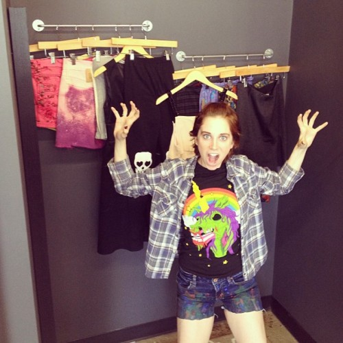 @sammyraylove is excited to try on ALL the things! Here till 5pm - come visit 😊 (at grime)