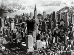 New York, 1936. Rockefeller building still under construction.