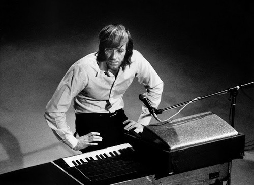 elder-roots:  R.I.P.  Ray Manzarek  February 12, 1939 - May 20, 2013 The End.