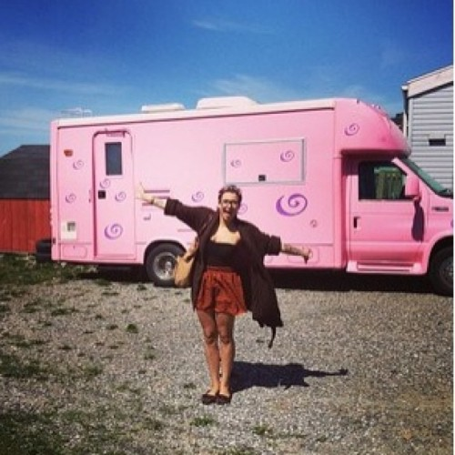 shyylabobe:  This pink trailer <3 ❤😍 #hippie ✌😊💨 #instagram  #instagramers #pink #love #happy #selfie #wantthis #girlsthatsmokeweed :) #