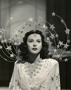 ponderful:  Hedy Lamarr in Ziegfeld Girl (1941).