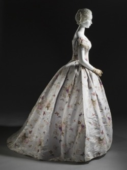 omgthatdress:  Ball Gown 1865 The Los Angeles County Museum of Art