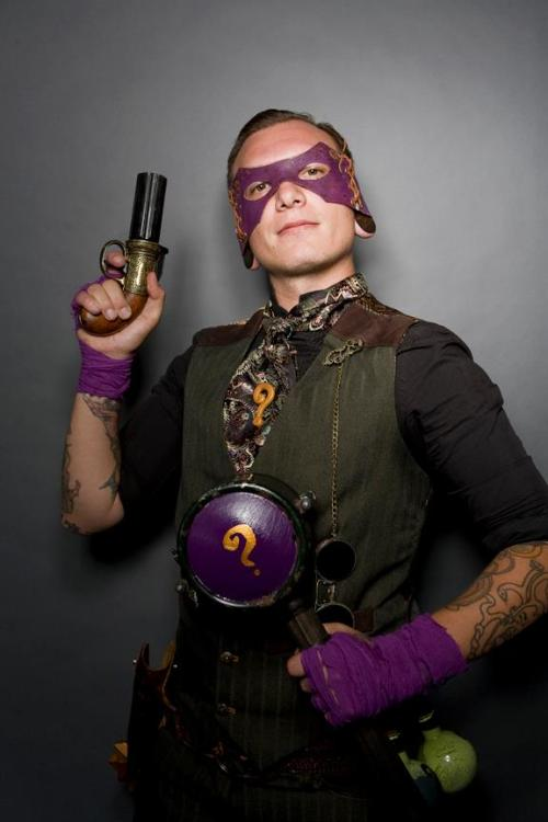 leeloosmultipass:  droidandunicorn:  Steampunk Riddler by Double Monocle Cosplay Photo by Cosplay in America At Stan Lee's Comikaze 2012  My gentleman is quite fancy, also proficient with a riddle or a revolver.  /love  Yet ANOTHER shot of the Riddler cosplay. Sick of my face yet?