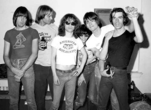 cretin-family:  The Ramones with John Holmstrom and Legs McNeil, July 22nd, 1976 at the Arcadia Ballroom in New Haven. Photo by Tom Hearn.