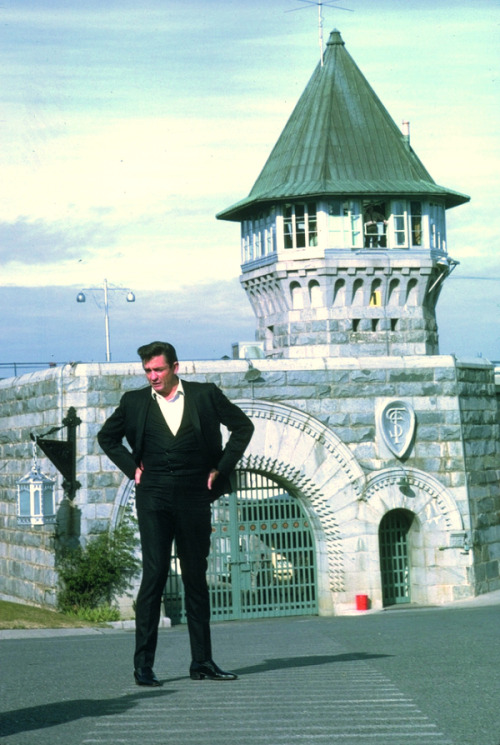praise-be-to-neros-neptune:  Johnny Cash standing outside of Folsom State Prison, 1968.